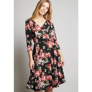 Modcloth Date Night Done Right 3/4 Sleeve Dress S
